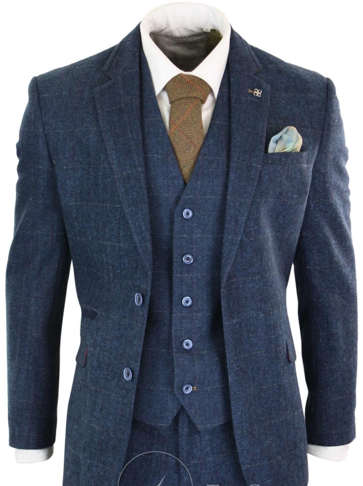 navy-blauw-driedelig-kostuum